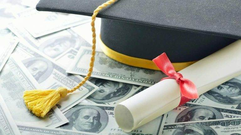 4 Simple Ways to Reduce Student Loan Debt