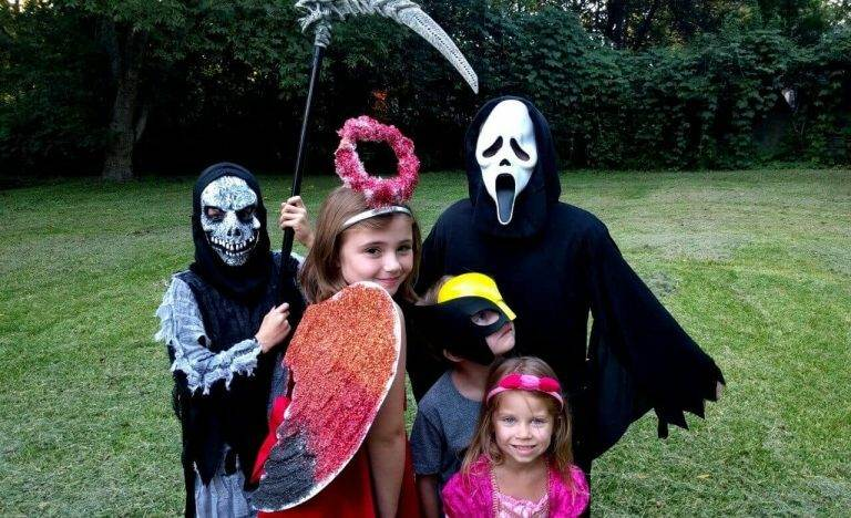 How to See Scary Savings on Halloween Costumes