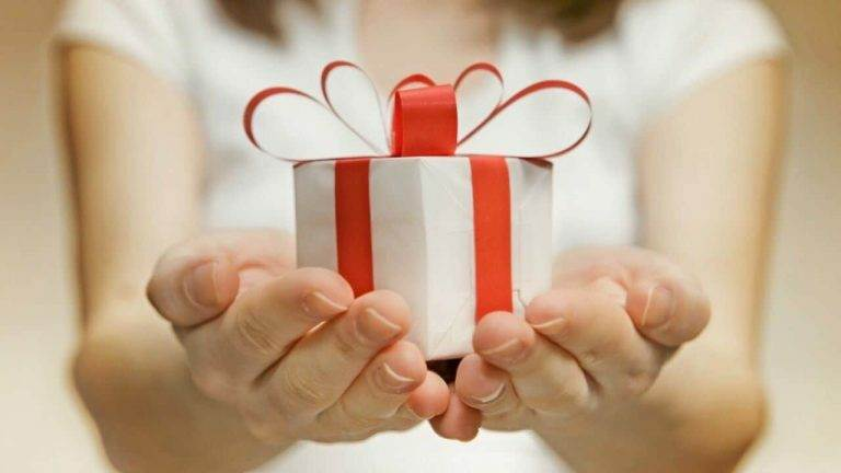 Here is One Great Way to Help You Save on Holiday Gift Giving