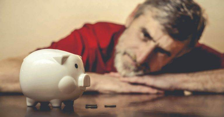 6 Money Mistakes You Need to Avoid in Your 60s and Retirement